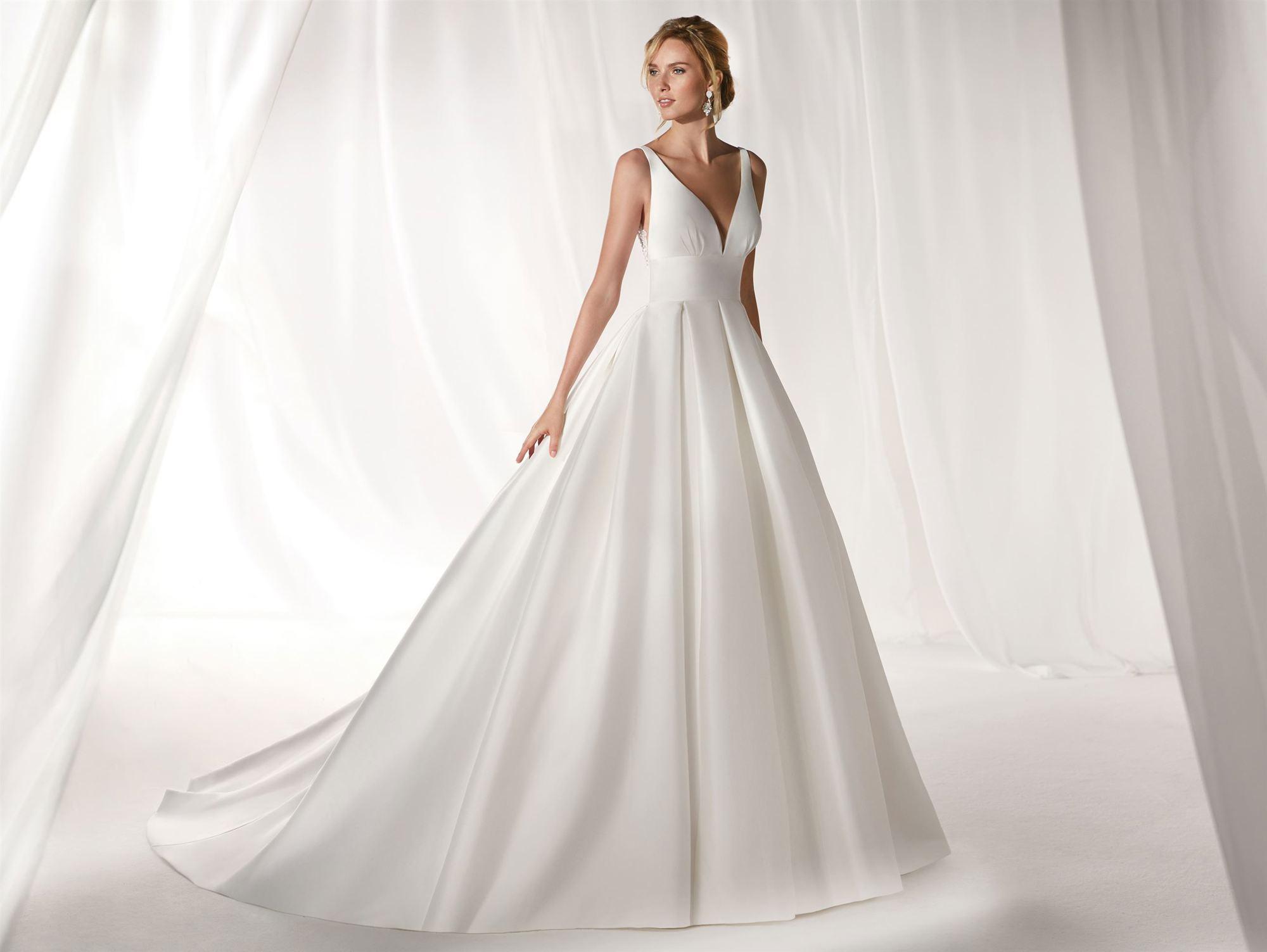 Nicole Spose.Nicole Spose Niab19038 Signature Bridal Salon